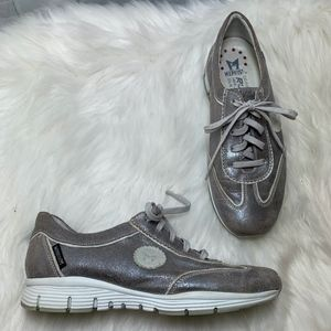 Mephisto Yael Taupe Nubuck Lace Up Sneakers Size 6